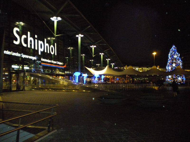 Schiphol_entrance